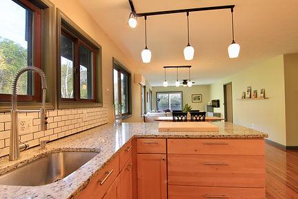 kitchen long.jpg