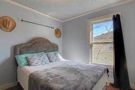 spare bedroom 2.jpg