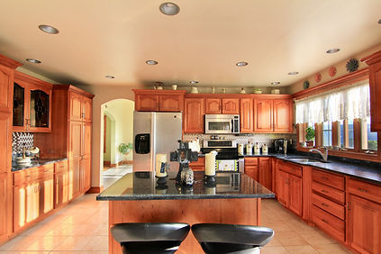 kitchen full.jpg