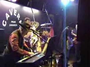 Tocando en directo. Tryng To Get To You. Concierto El Bis y los   Ibérico, : El Prior 5 mayo 2007: Z