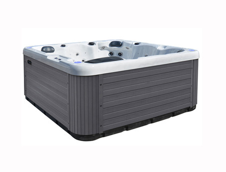 Online Hot Tub Brand with FREE Canada-Wide Shipping!