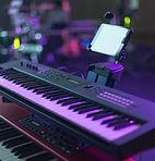 Teclado Midi en sala de conciertos