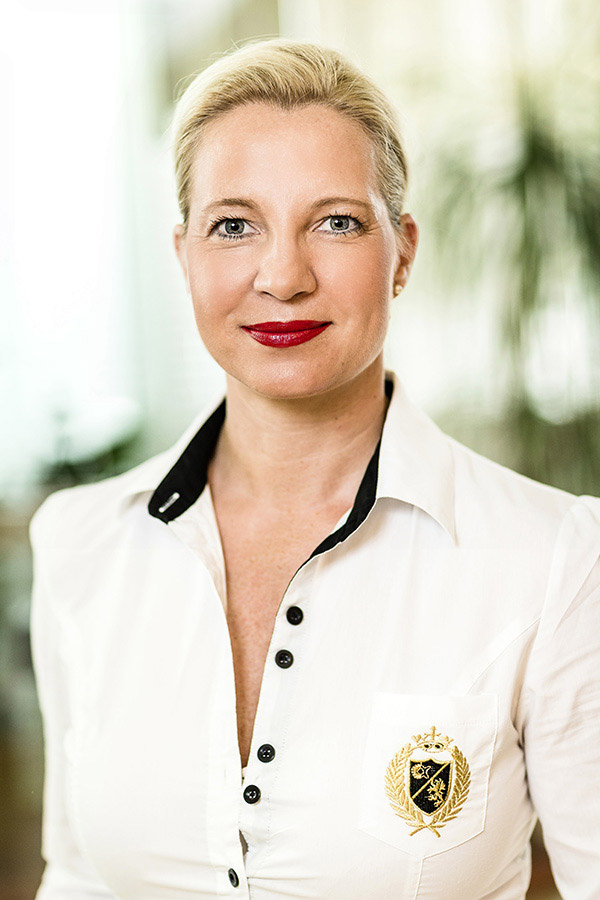 Dr. Sandra Bolze