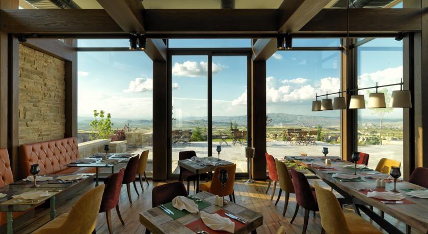 ariana-sustainable-luxury-lodge-1