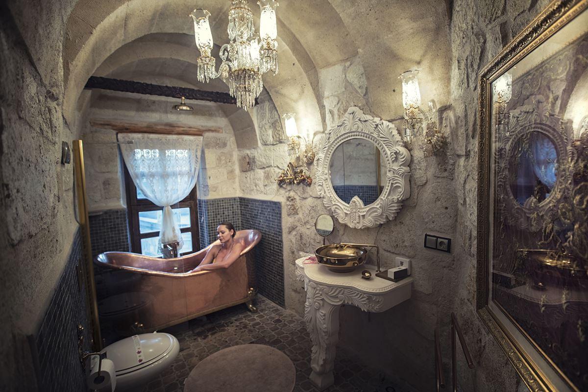 Elika Cave Suites balayı