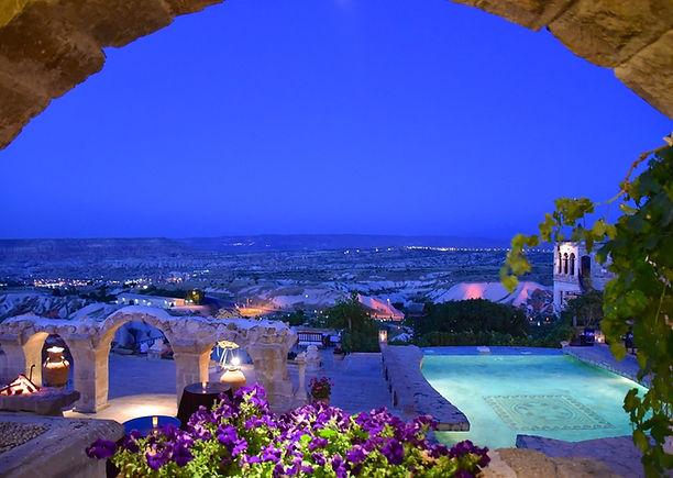 museum-hotel-luxury-cappadocia-turkey.jp