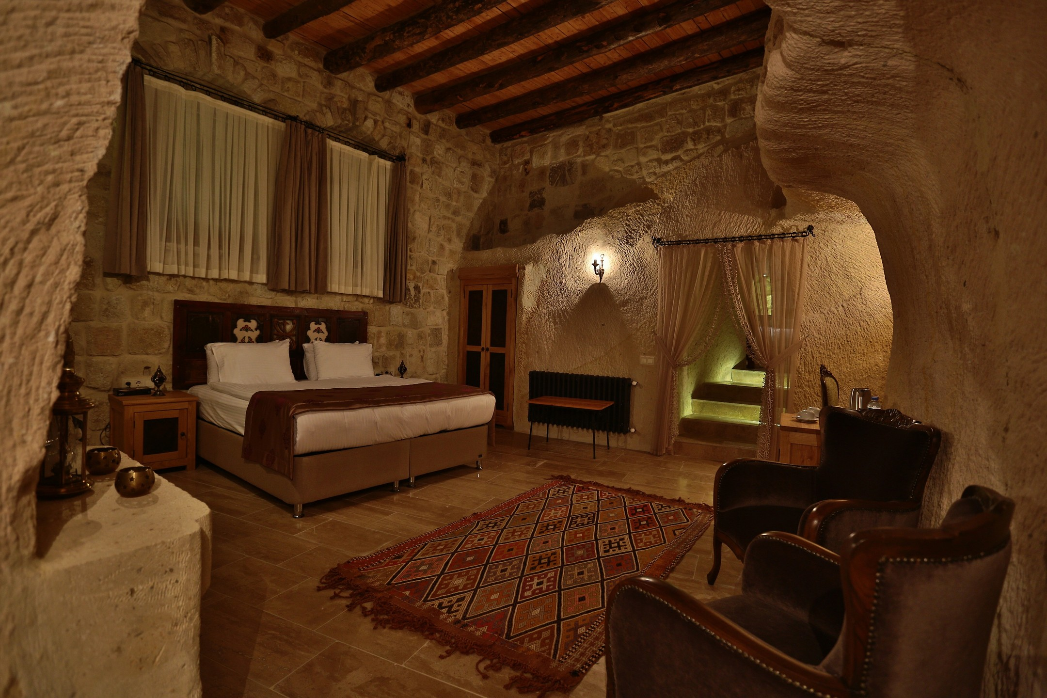 Acropolis Cave Suites