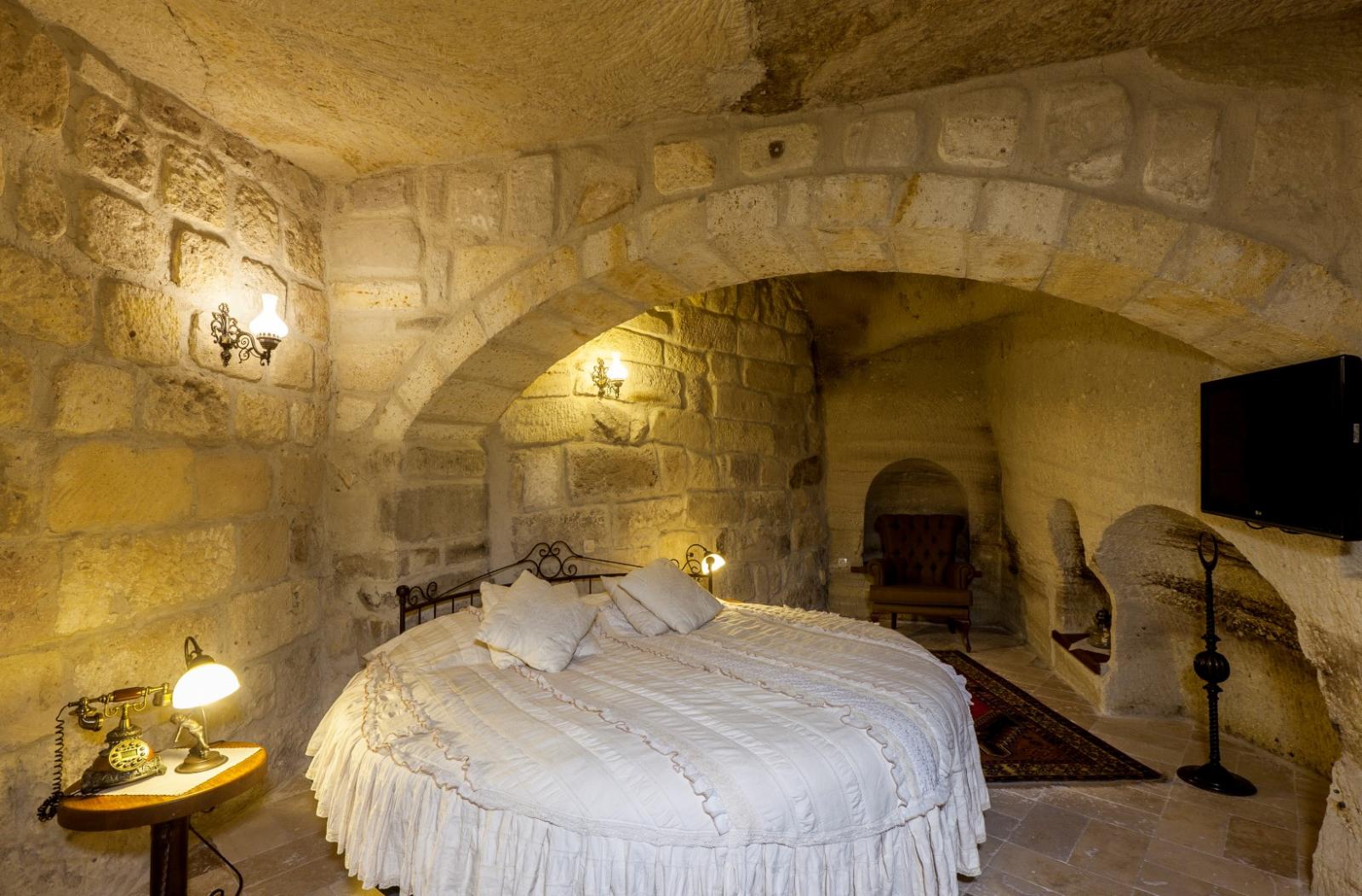 Mağara 11