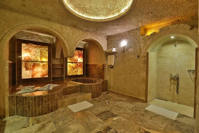 Oread-Cave-Suites-Oda-220327
