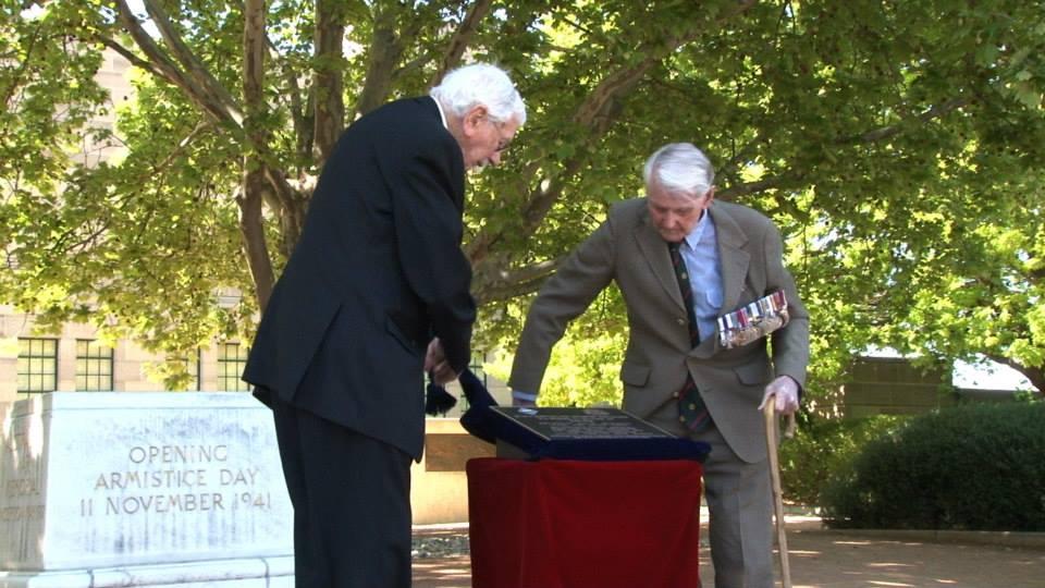 Unveiling 2/16th Battalion plaque