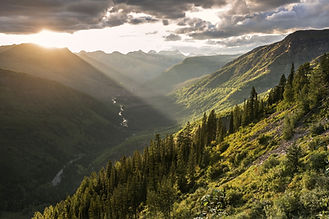 mountain-range-960269_1920.jpg