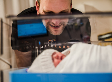 5 Reasons Dads Want a Birth Photographer