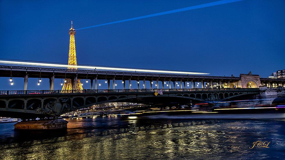 pont-bir-hakeim-paris-metro-heure-bleue-