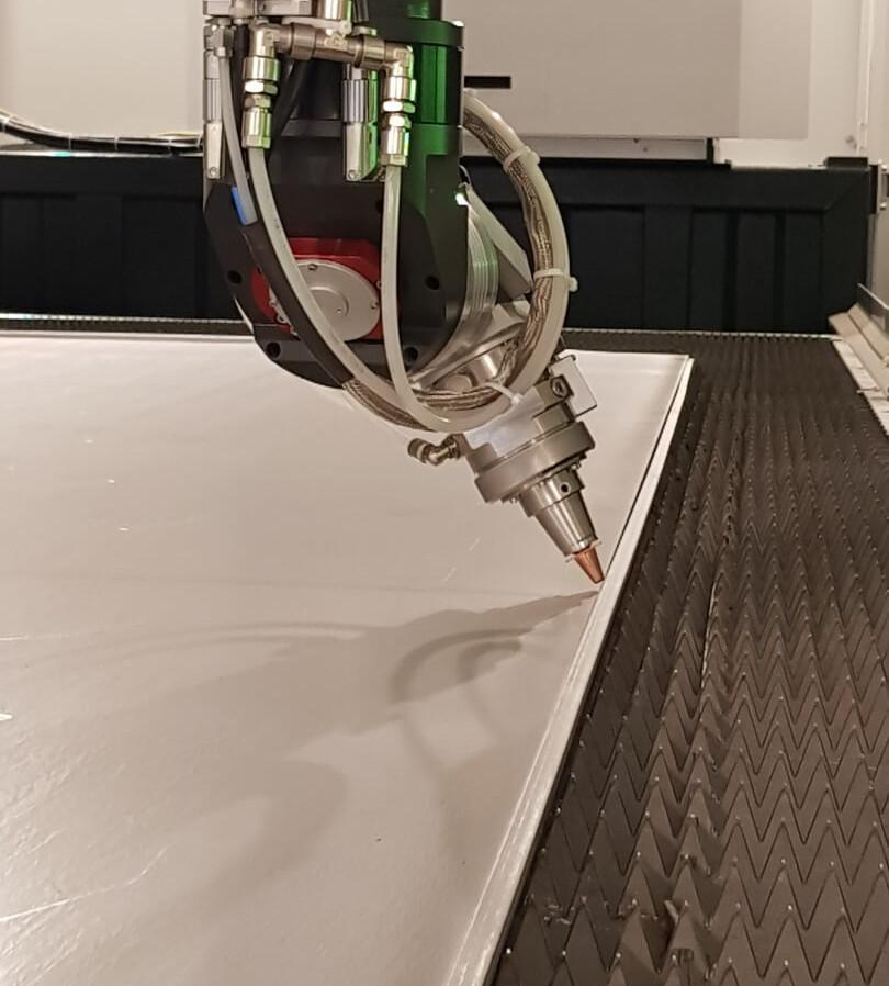 taglio-laser-fibra-leantech-zane.jpg