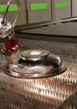 video-taglio-laser-leantech.mp4