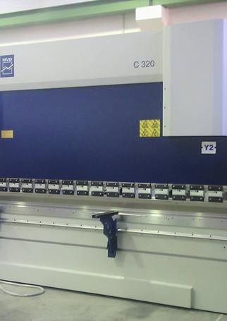 taglio-laser-5-assi-leantech.jpg