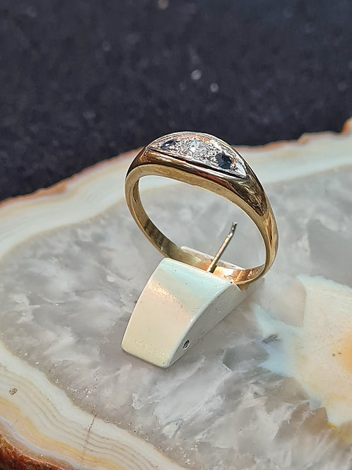 Antique style gold ring 311