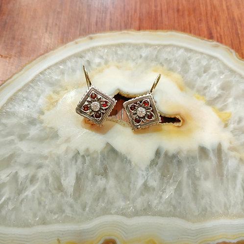 rhombus Victorian style earrings