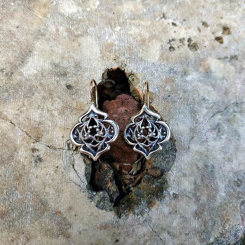 Filligree work earrings 001