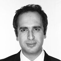Daniel Ramezani Headshot 2020.jpg