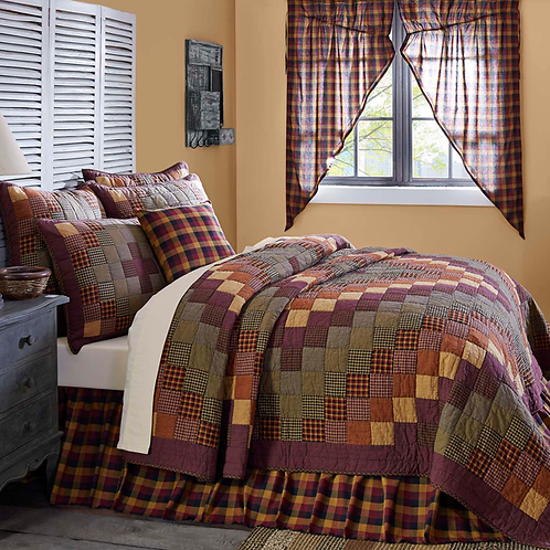"Heritage Farms Queen Quilt 90""x90"" #37905"