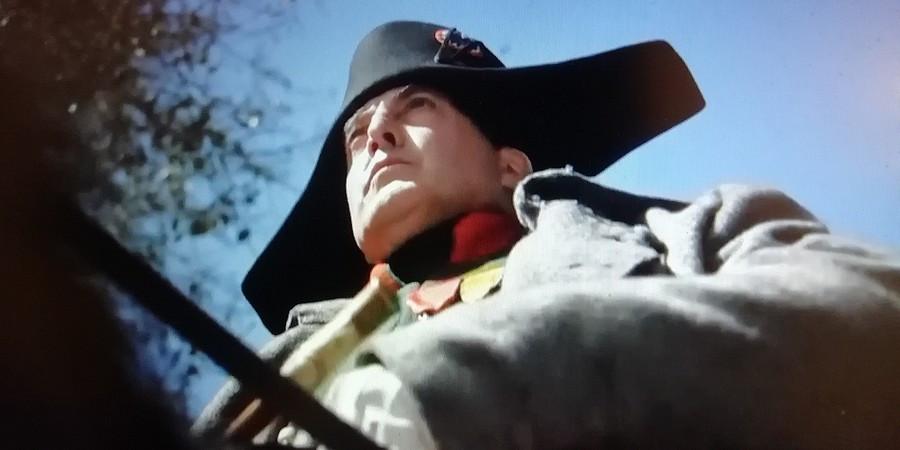 Napoleonův dvojník Mark Schneider.