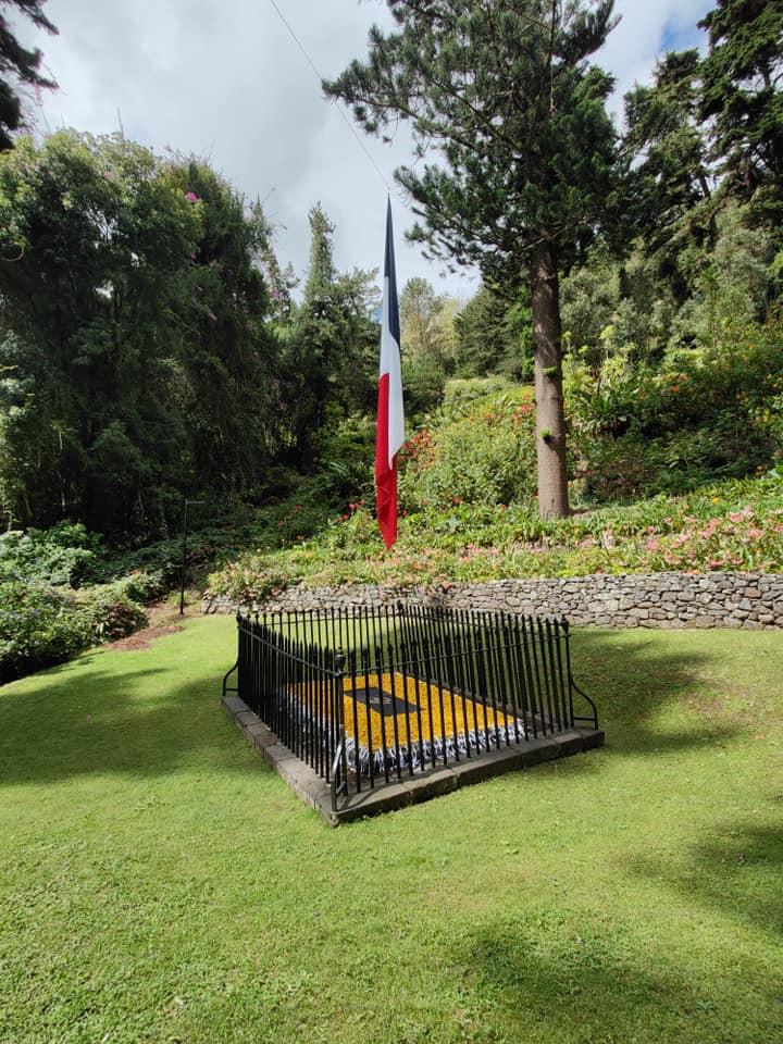 Hrob císaře Napoleona na Svaté Heleně.