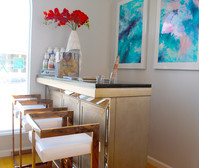 We treat you right with high-end furnishings for your therapy appointment