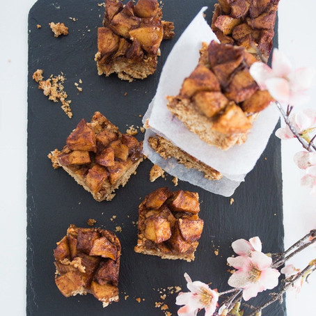 Organic Apple and Cinnamon Oat Bars