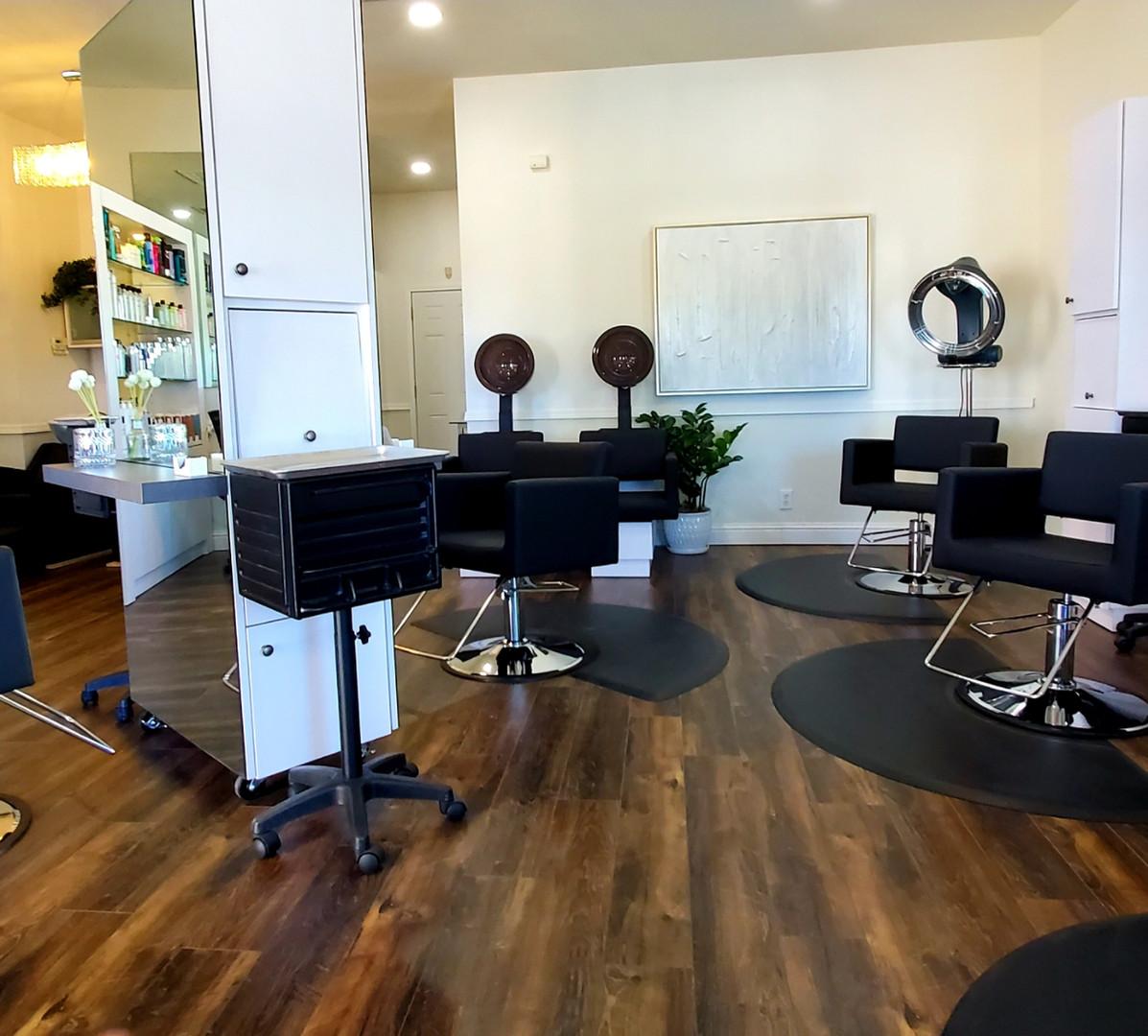 Signature Salon Stations