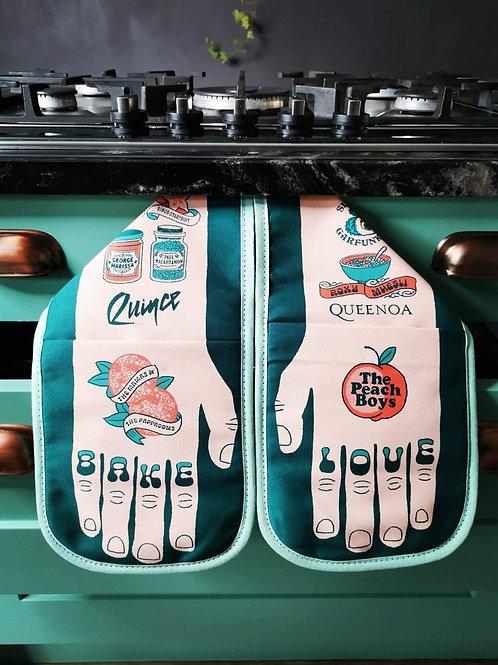Bake Love Double Oven Glove