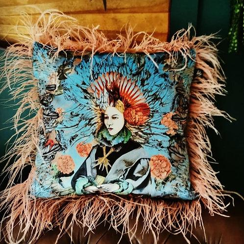 Frau Eule cushion