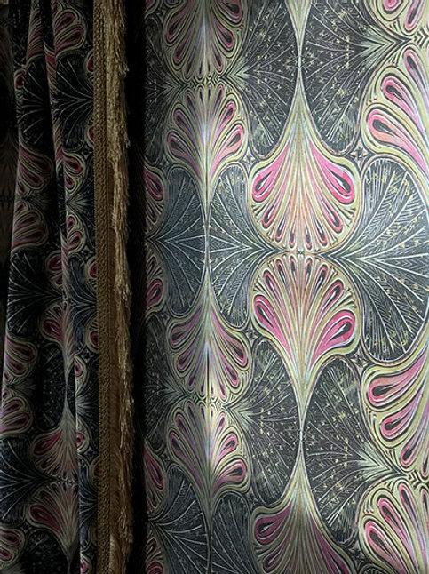 Showgirl Wallpaper