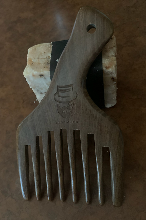 The Mason beard comb