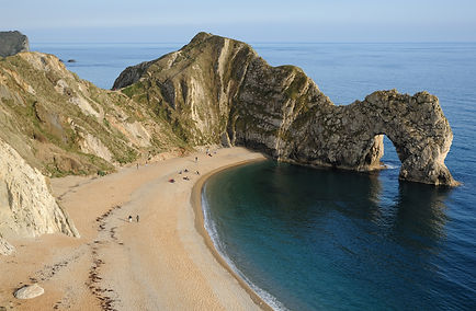 Durdle_Door_Overview.jpg