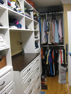 Walk in with Bumped Drawers