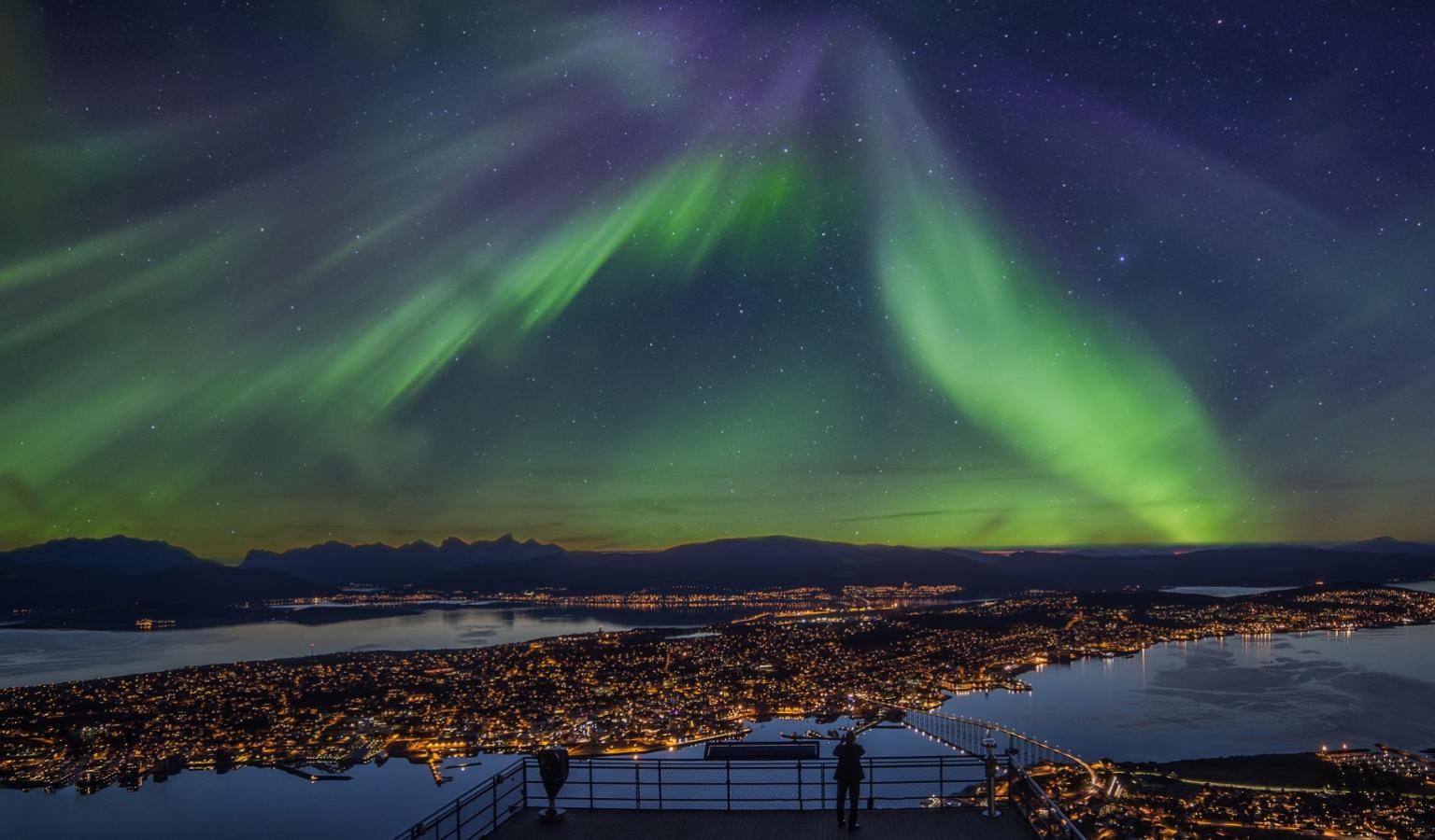 aurora_night_in_tromso_-_truls_tiller_we