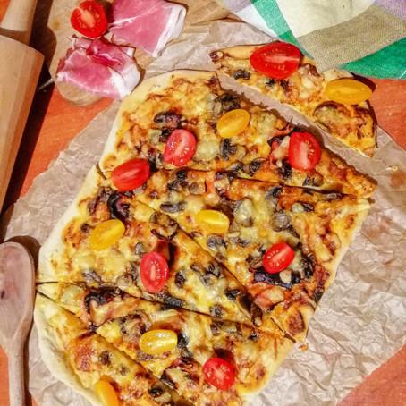 Ciasto na pizze i sos pomidorowy z pomidorów z puszki