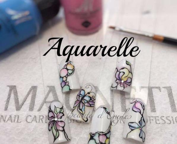 Nail-art-aquarelle