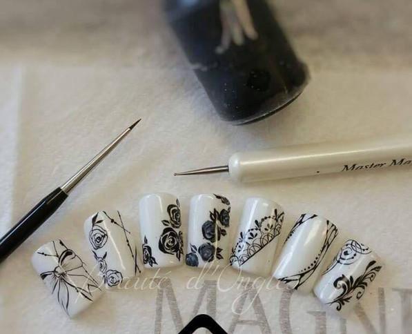 Formation-Nail-art-de-base-noir-et-blanc