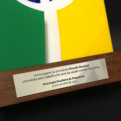 Placa de identificação para troféu