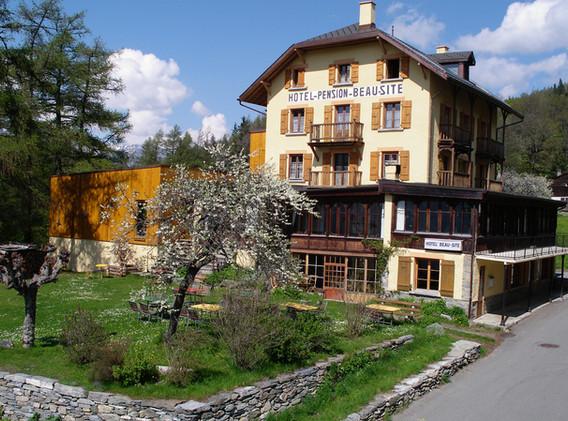 Beau_Site_hotel&garden.jpg