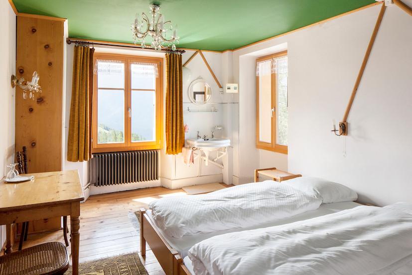 chemin_double_room.jpg
