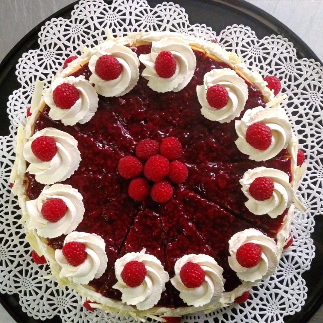 Housemae Raspberry Cheesecake