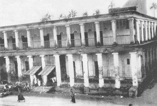 アラムバザール僧院
