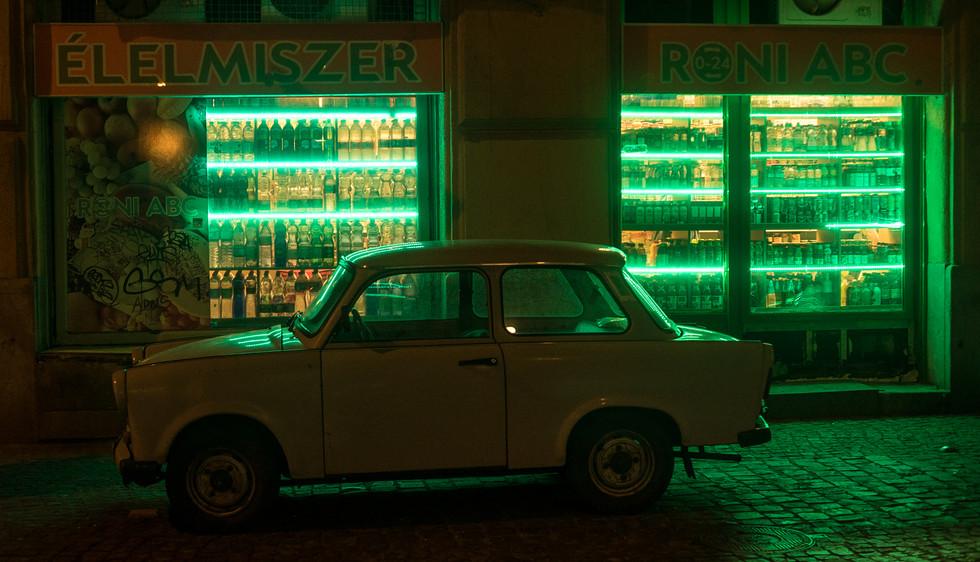 budapest auto.jpg