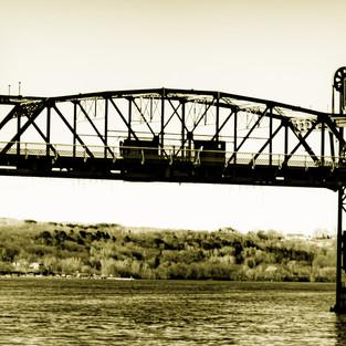 michelle_lynn_stillwater_lift_bridge_1.j