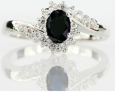 Size 8 Black Oval Ring Woman Size