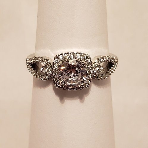 Round Cut Halo hugging looped ring size 7