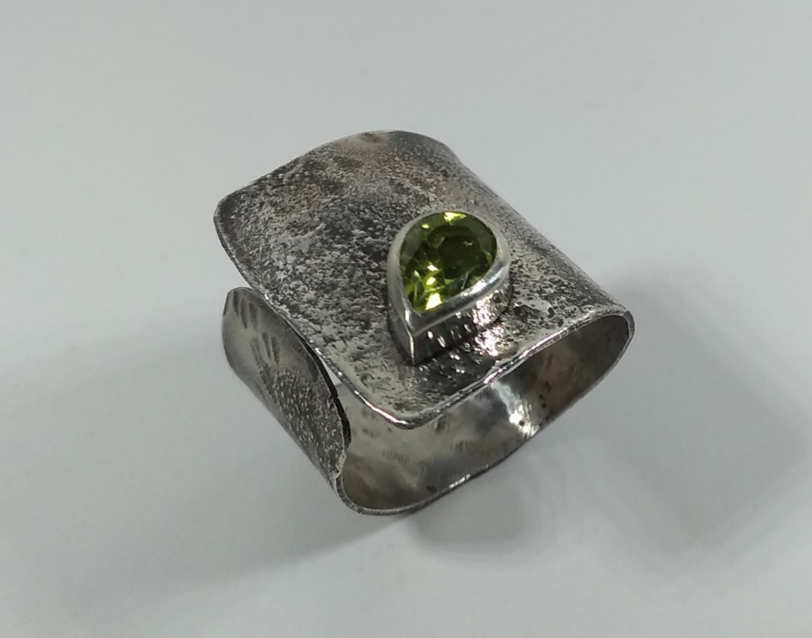 Reticulated Peridot Cuff Ring